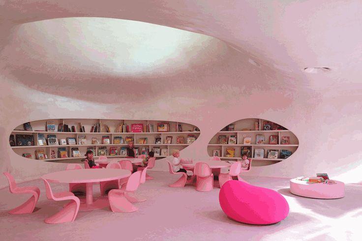 Groupe scolaire Saint Jean. Location: Strasbourg, Francia; architect: Dominique Coulon et associés; year: 2013