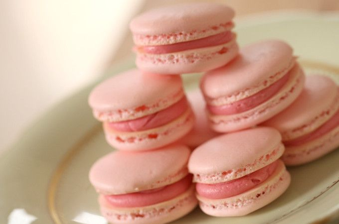 French Macaron Recipe - really good tips. I would let macarons sit for up to an hour and space out all the macarons because they spread when they sit.