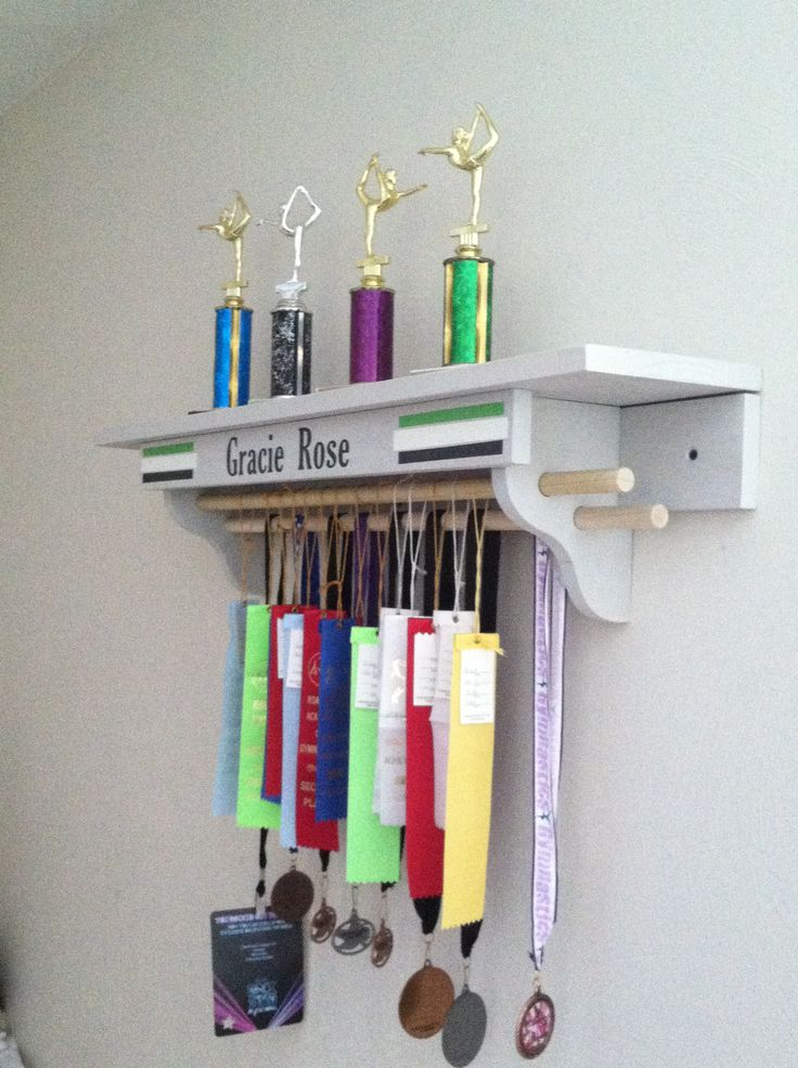 trophy shelf---space for ribbons not the best design