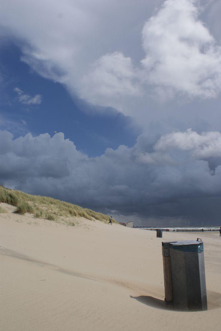 Zeeland. Schouwen Duiveland, het strand.