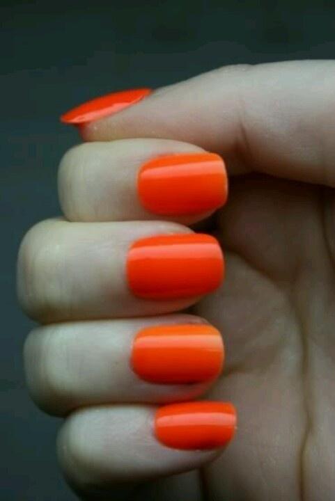 Orange fingernails #nailcolour