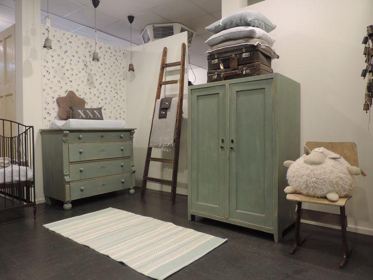 17 beste idee n over antieke meubels op pinterest vintage ijdelheid vintage en ouderwetse ruimte - Afbeelding babykamer ...