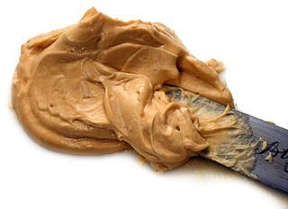 Salted Caramel Frosting Recipe Try with 3/4 cup granulated sugar 6 tablespoons water 3/4 cup heavy cream 3 teaspoons vanilla 113g butter 1/2 tsp fine salt 1 cup icing sugar