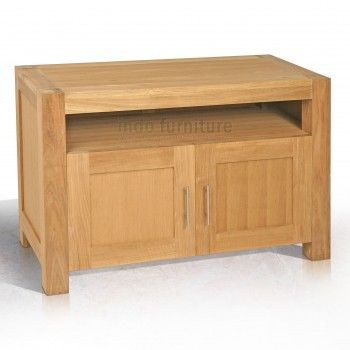 Lemari TV dengan model minimalis dari bahan kayu jati perhutani (TPK). Lemari tv dengan 2 pintu yang bisa Anda pakai untuk menyimpan asesoris TV atau barang-barang berharga Anda.
