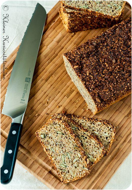 Etwas aus der Rubrik gesund und lecker: Schwarzbrot mit Buttermilch - einfach selber backen.