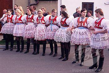 SuperStock - Girls in traditional dress lined up during ceremony, Dress Feast with Wreath and Duck Festival, village of Skoronice, Moravian Slovacko folk region, Skoronice, Brnensko, Czech Republic, Europe