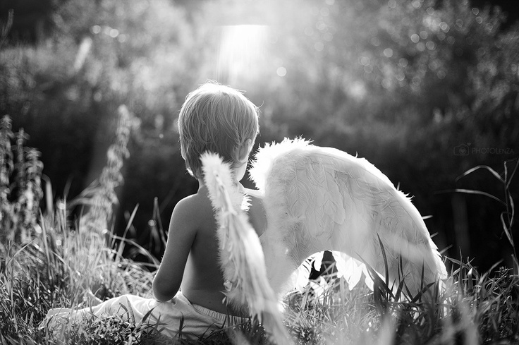 Photographer Lena Zashchitina. Russia.  Boy. Angel. Photography