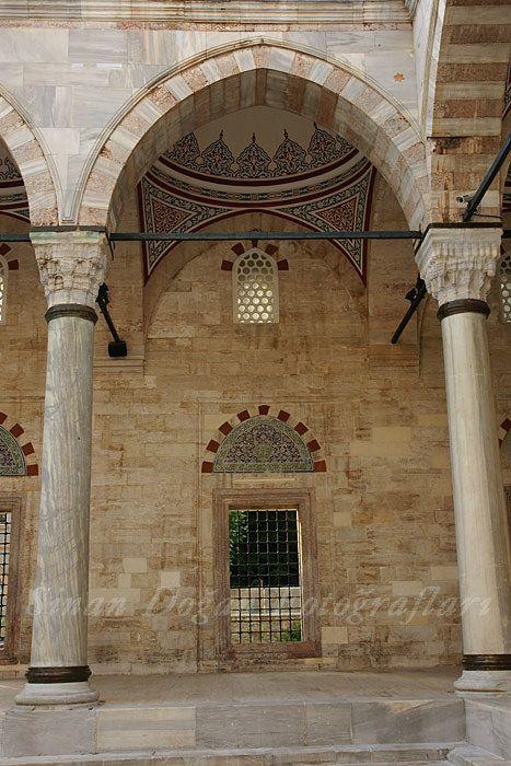 Yavuz Sultan Selim Camii avlusu revakından bir modül    Flickr - Photo Sharing!