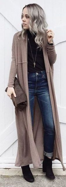 Tan Maxi Cardigan with blue jeans, black shirt and ankle boots