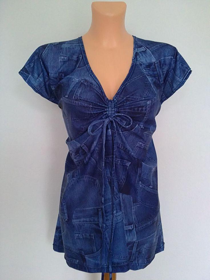 """Halenka-džíns úplet 52-54 Halenka,tunika,tričko,,,střihem mírně do A,se spadlými rukávy a řasící šňůrkou v dekoltu,stahovací,regulujete si hloubku dekoltu,,,,materiál je džínový hladký úplet,klouzavý,chladivý až studivý,podobný strukturou a sílou plavkovině,,,,praní na 30 st,nežehlí se,nemačká se,stálobarevný,neprůsvitné,lze nosit i """"bez"""" :))... Prsa-130cm ..."""