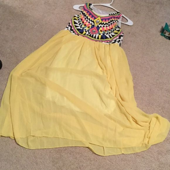 Darling Dinner Date Dress Never been worn dress. Selling for a friend. Offers welcome Dresses