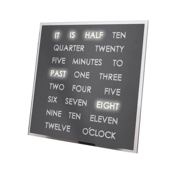 Avec cette horloge, les enfants apprennent à lire l'heure de façon ludique - et ce en anglais. Cette horloge stylisée montre l'heure en lettres plutôt qu'avec des chiffres. A l'aide des LEDs encastrés, l'heure s'illumine, de façon à pouvoir aussi être lue dans le noir. Pour autant, pas besoin de se lancer dans de grands travaux sur le mur. L'horloge de LEDs s'installe facilement. Une idée cadeau design !