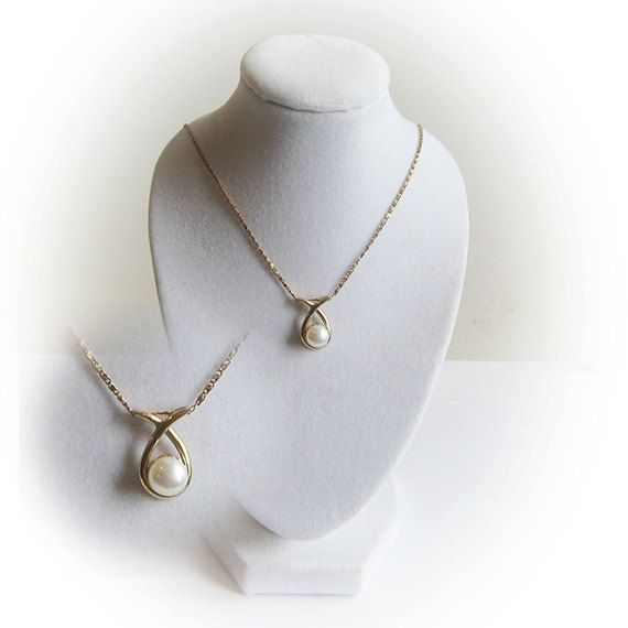 14 K Pearl Pendant with 16 inch 14 K Italian Gold Chain