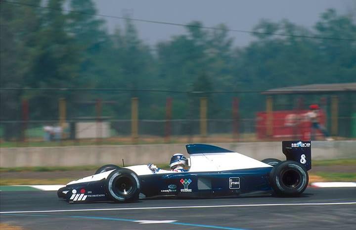 f1 La última mujer en ser piloto titular de un equipo de Fórmula Uno fue la Italiana Giovanna Amati, a quien vemos aquí en el Brabham BT60B intentando clasificar para el Gran Premio de México en 1992 ...