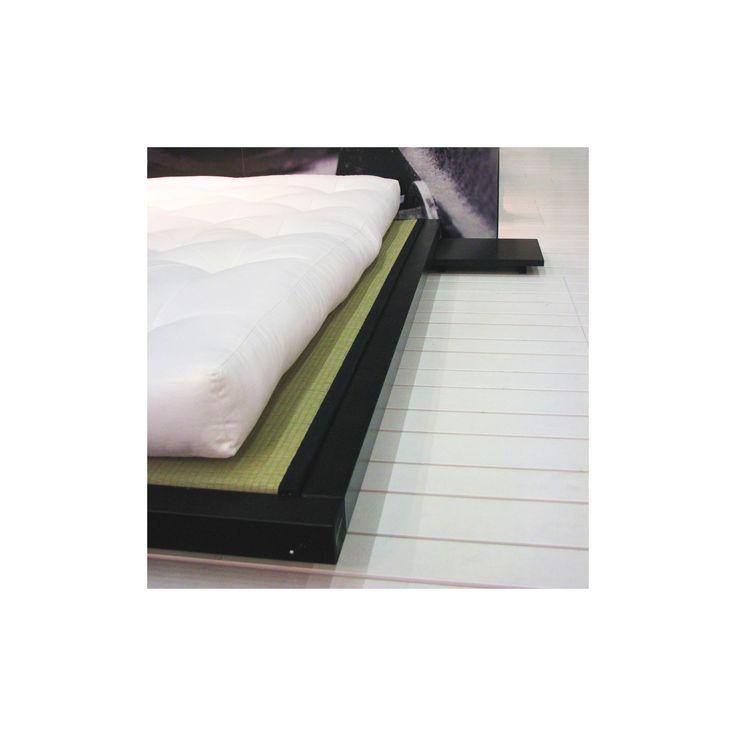 Sandwich Futon. En middelhards futon laget av forskjellige naturlige materialer: bomull, lateks, kokosfiber.