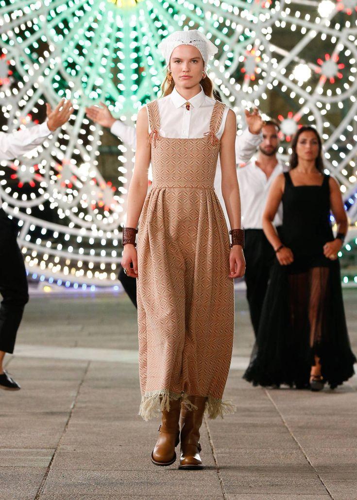 Dior Spring/Summer 2021 Resort | Fashion show, Fashion ...