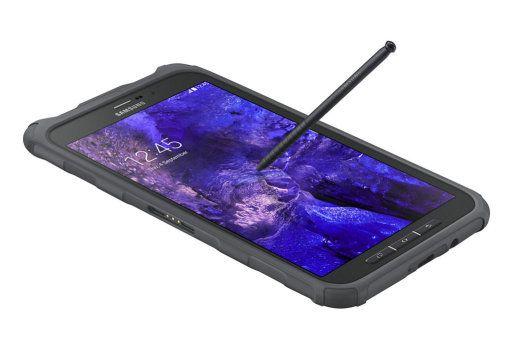 La nueva tableta Samsung Galaxy Tab Active lo resiste todo. La nueva Samsung Galaxy Tab Active soporta el estándar estadounidense MIL STD 810, de tipo militar que lo hacen resistente al polvo, a golpes fuertes, caídas, temperaturas extremas e incluso podrás sumergirlo en el agua. Es capaz de trabaja en temperaturas que van entre los -20 grados y los 60 grados. La nueva tableta Samsung Galaxy Tab Active lo resiste todo   Este 4x4 es capaz de soportar golpes y caídas gracias a su carcasa…