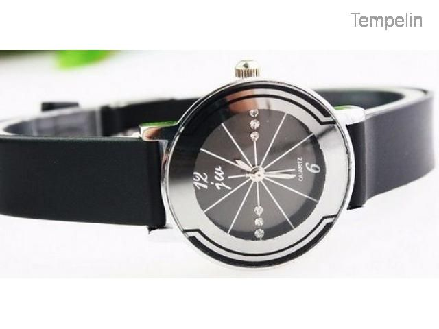 Jam Tangan Couple Classical Diamond Leather Band Baru