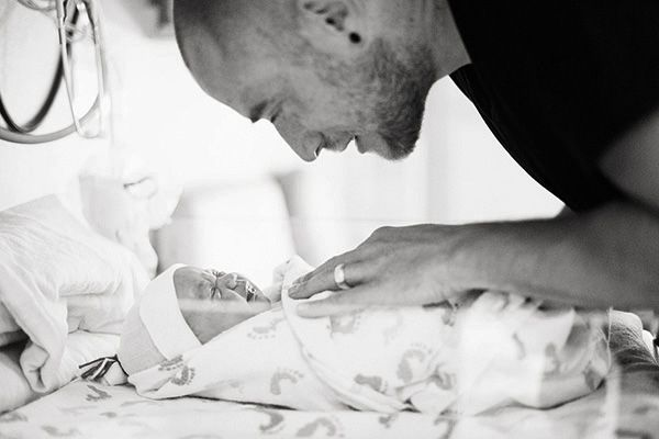 Labor and Delivery photo ideasPhotos Ideas, Photo Ideas, Baby Girl And Daddy Photos, Births Stories, Delivery Photos, Births Photos, Births Photography, Births Pictures, Photography Ideas