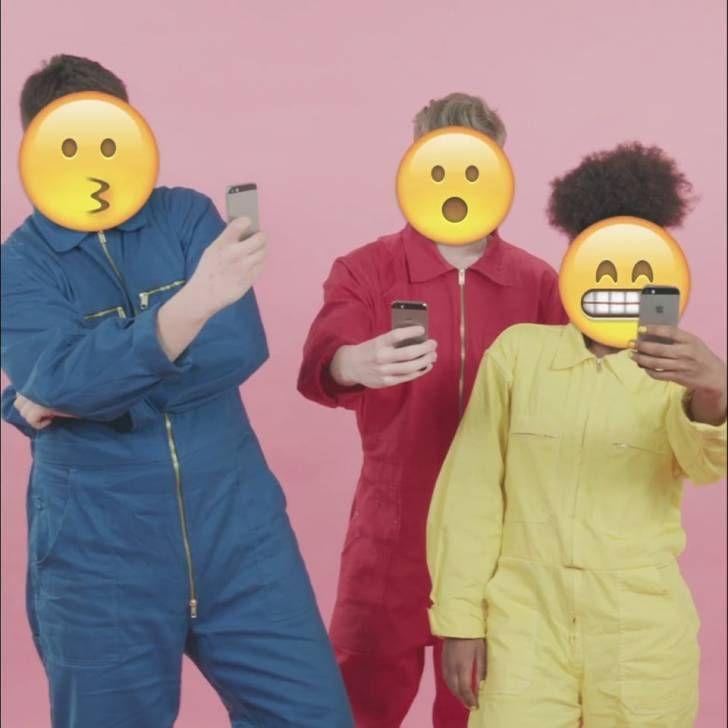 Sosyal Ağlar ve Emojilerin Başrolde Olduğu Rengarenk Müzik Klibi http://goster.co/sosyal-aglar-ve-emojilerin-basrolde-oldugu-rengarenk-muzik-klibi