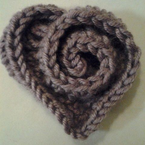 Crochet Heart - would be so cute on a little girls hat or headband.