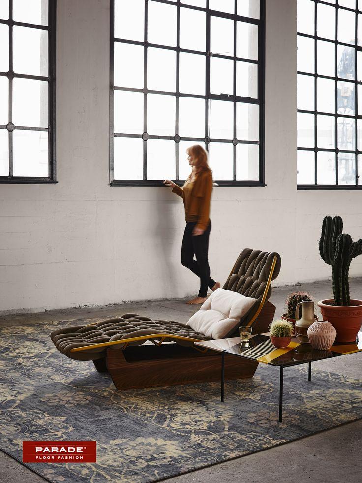 Stijlvol relaxen met een klassiek tapijt. Verkrijgbaar bij http://www.tapiroe.be/stijlentapijt.html