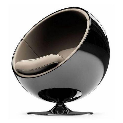 Eero Aarnio´s Ball Chair, originally designed in 1963 fro Asko, Finland.