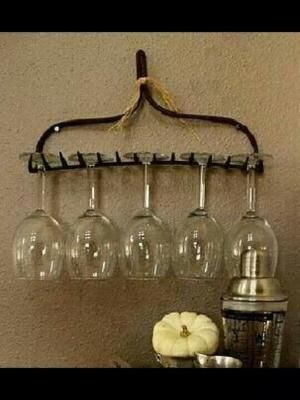 A creative way to use an old garden rake! by marian