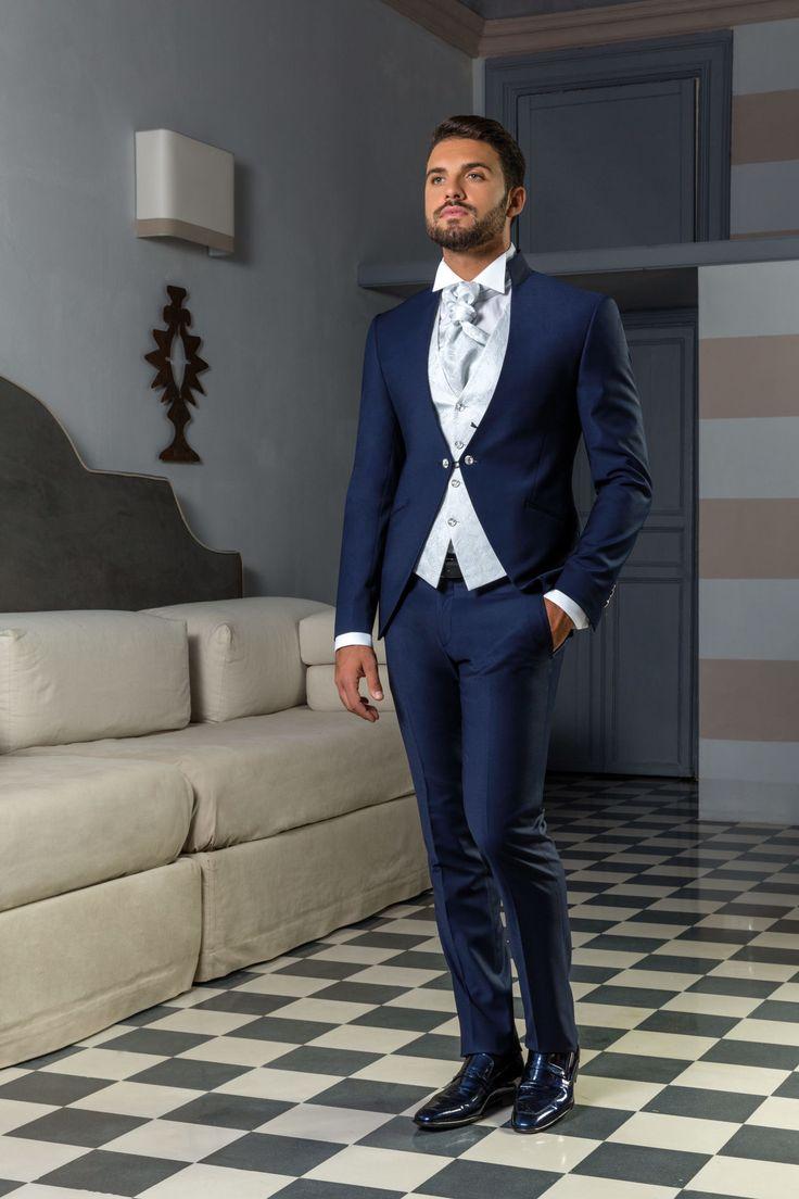 Abito da sposo coordinato blu marino giacca alla coreana con gilet disegno cashmere