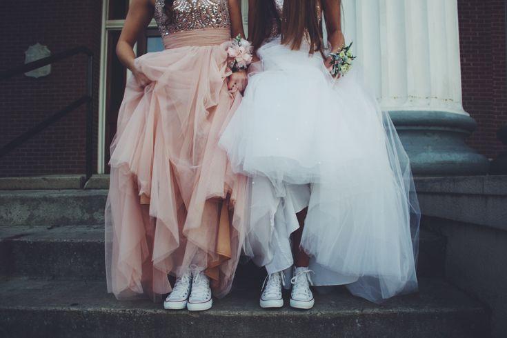 cute best friend prom picture