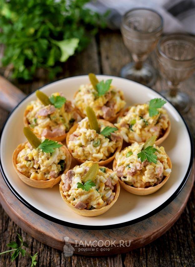 Тарталетки с печенью трески и плавленым сыром — рецепт с ...