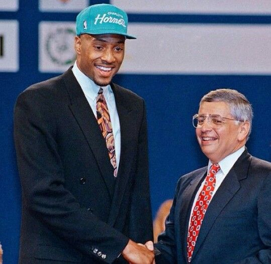 With the 2nd pick in the 1992 NBA draft the hornets select Alonzo Mourning of Georgetown University