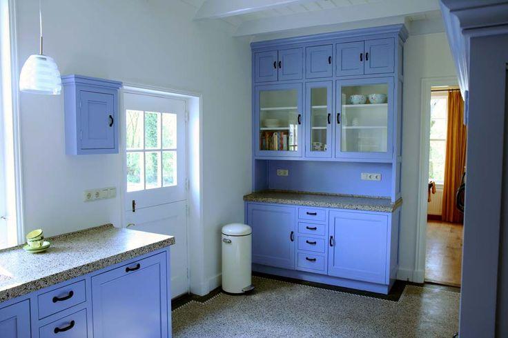 Klassieke keuken in mooie blauwe kleur 1087