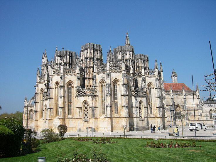 Klášter Batalha  je jednou z významných památek v Portugalsku. Tento dominikánský klášter se nachází ve stejnojmenném portugalském městě Batalha.Výstavba kláštera do dnešní podoby trvala více než století (1386 až 1517),