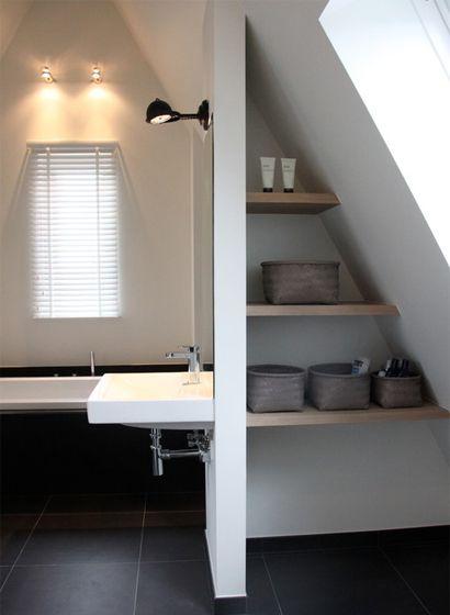 slaapkamer met douche  Tips: schuine wanden in huis - Stripesandwalls ...