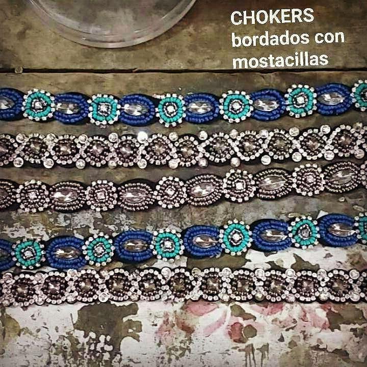 CONCURSO ESPECIAL BAZAR CUMBRES EN NUESTRO SNAPCHAT Gana una gift card de 10.000$ para canjear en el bazar! Siguenos en Snapchat Jacaranda.acc y encontraras las instrucciones para participar!! Llegaron estos bellos chokers bordados con mostacillas Nos encantan! #collar #accesorios  #hechoamano #hechoenchile #Bohemian #instachile #boho #gypsy #necklaces #layeringnecklace  #gemstones #chile #madeinchile #handmade #hippiechic #bohochic #bohojewelry #boho #tribal #cuarzo #choker…
