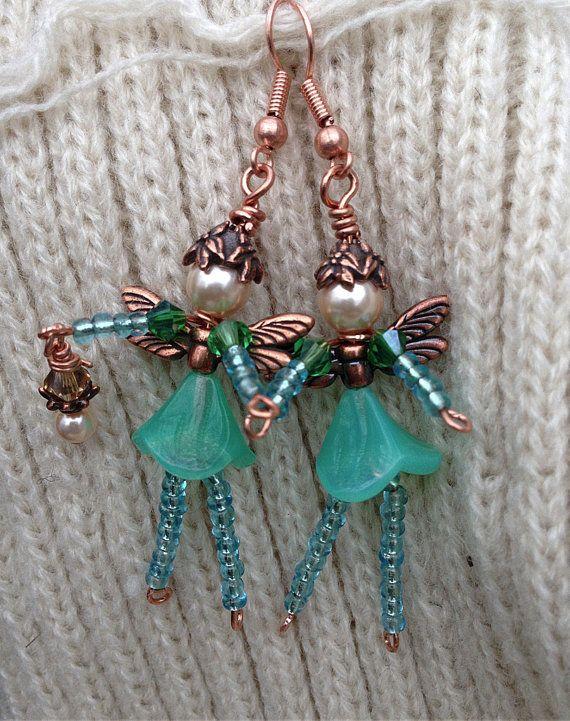 Jardin fantaisiste fée perles Boucles d'oreilles : perles de Swarovski authentique, cuivre plaqué étain constatations, tchèque de cuivre Antique, perles de verre, verre pressé