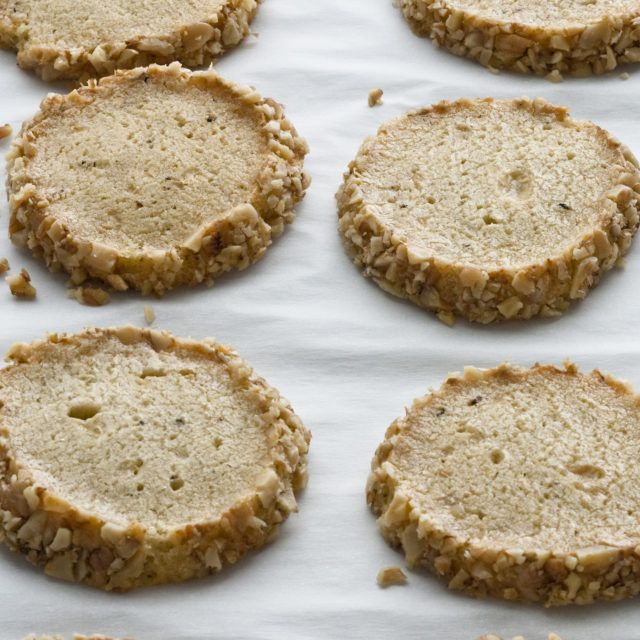 stilton walnut crackers - Ina Garten Pinterest