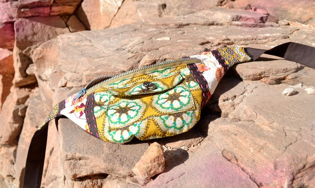 the wanderer Bum Bag tutorial a little more stylish looking fanny pack