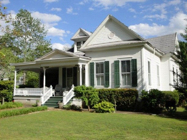 My dream home -- the house where Julia Roberts' character lived in Sleeping with the Enemy. Turns out it's in SC, not Idaho.