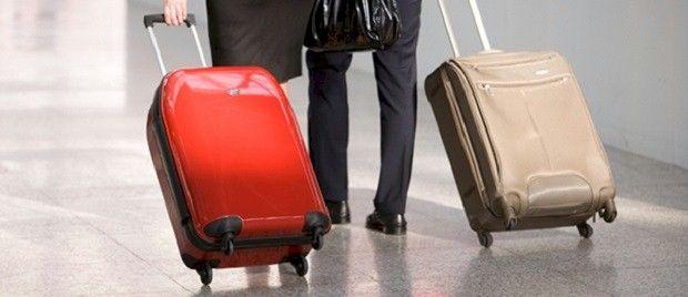 Cosa portare in aereo. Cosa portare e cosa non portare in aereo, nel bagaglio a mano e nella stiva. Dilemma esistenziale o semplice necessità informativa? Alcune considerazioni tratte da esperienze vissute.