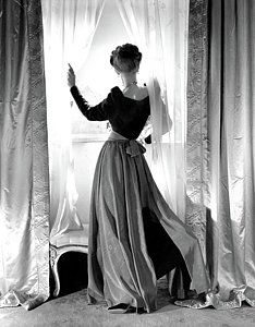 Photograph - Georgia Carroll Wearing Hattie Carnegie by Horst P. Horst
