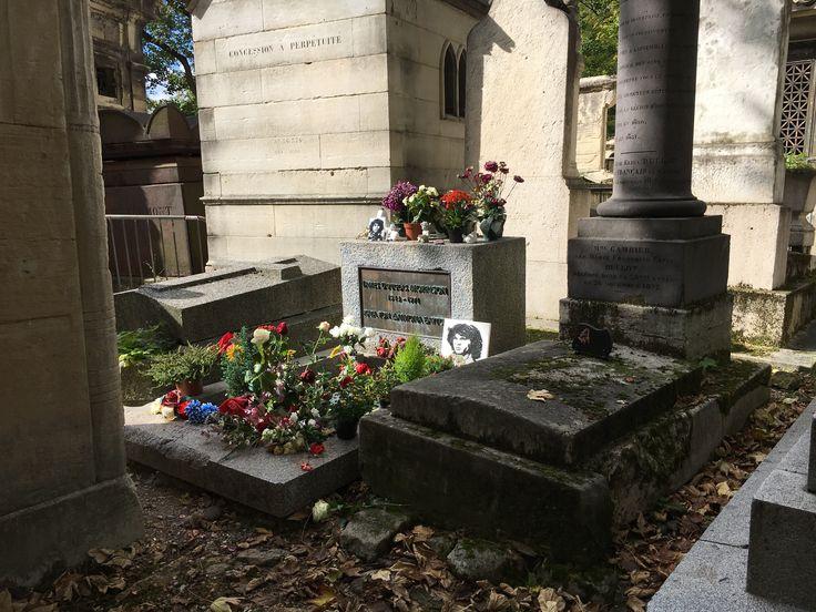 The grave of Jim Morrison