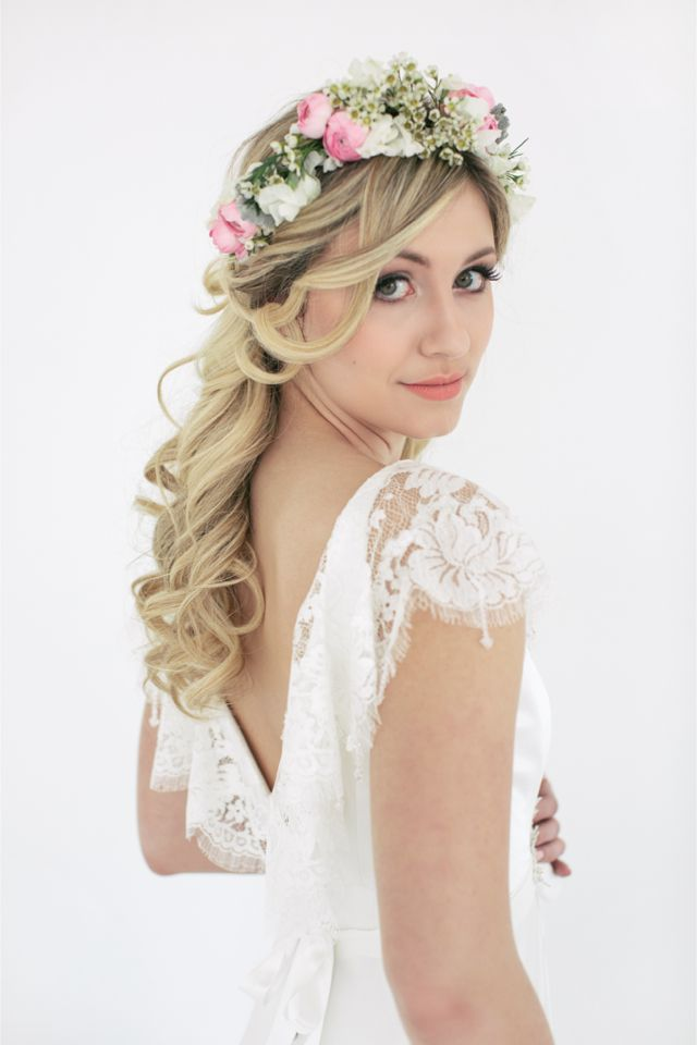 flower crown / Codrean Photography | Film. I'm obsessed with floral crowns and accessories!!!