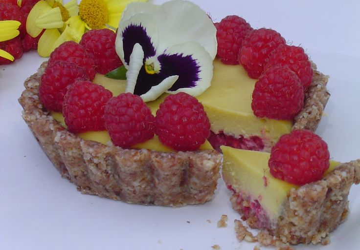 Oh heaven... raw Mango Raspberry Tart. via Raw Food Recipes