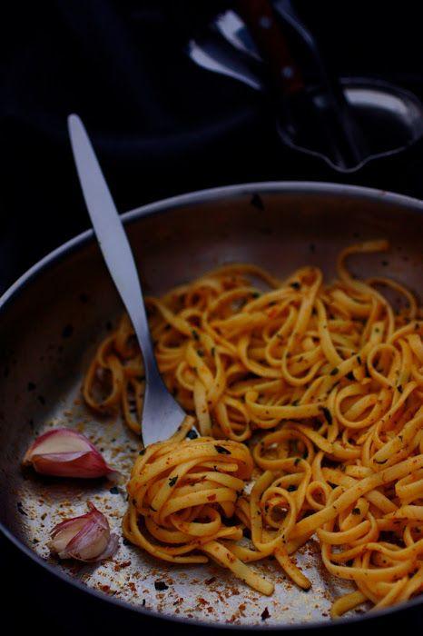 Kitchen drama: Paste cu usturoi si busuioc
