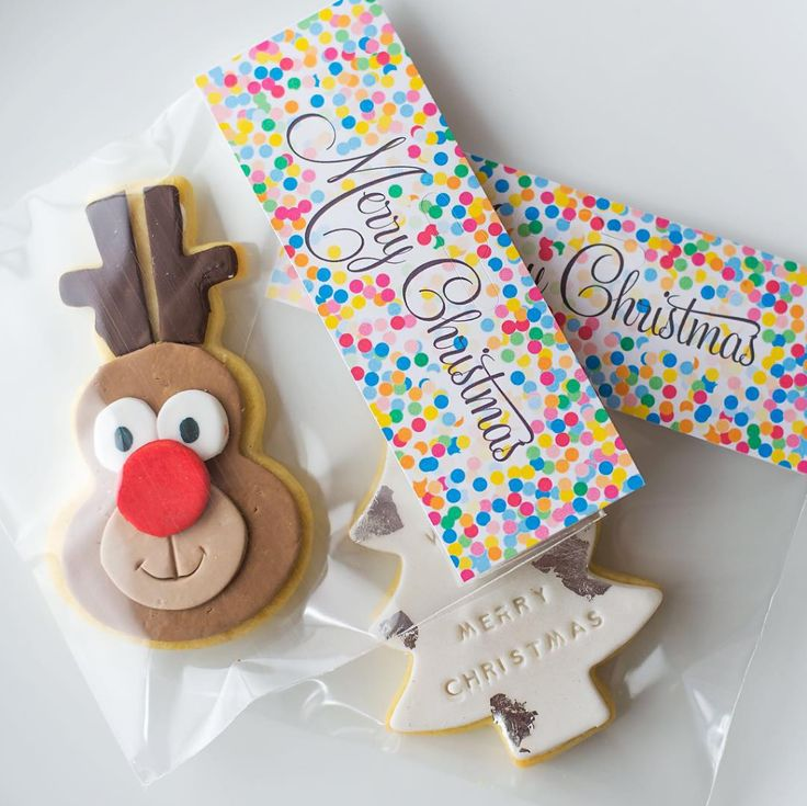 Labels ideas for Christmas Cookies with Celebrate with Avery #ChristmasCookies #CelebrateWithAvery #CuteCookies #CookiesIdeas #XmasTime #ChristmasIdeas  #ChristmasFood