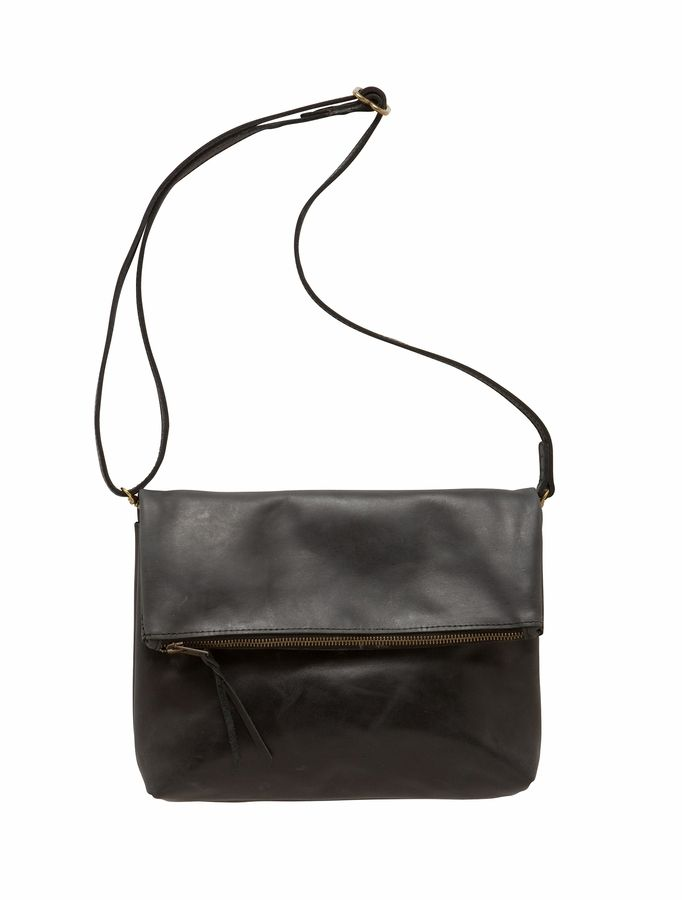 A classic style bag for women of any age.