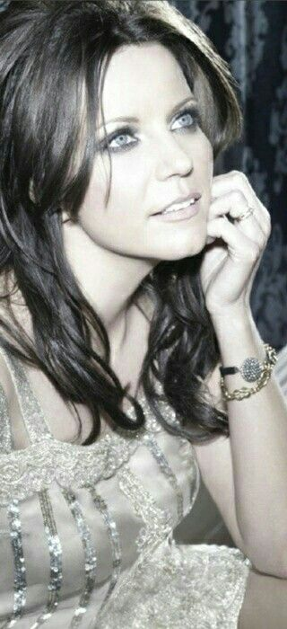 MARTINA MCBRIDE. TOUCHING LYRICS...