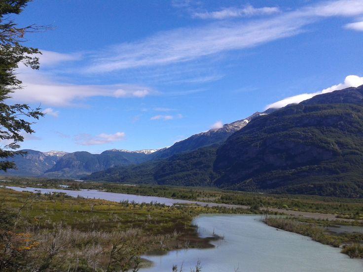 La Carretera Austral  es una carretera se encuentra en la zona sur austral de Chile. Fotografía tomada por MAMC-TOÑA